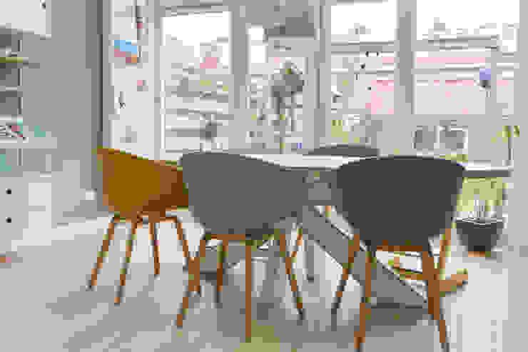 Salon scandinave par Studio Binnen Scandinave