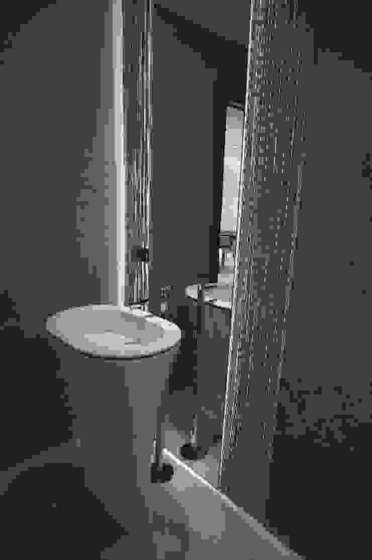 D&R apartment Bagno moderno di Studio ARCHEXTE' _ Vincenzo Castaldi Architetto Moderno