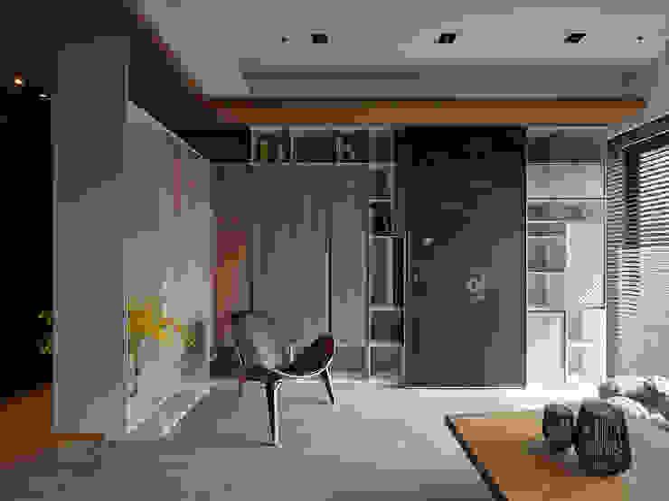 Ruang Keluarga Gaya Skandinavia Oleh 築青室內裝修有限公司 Skandinavia