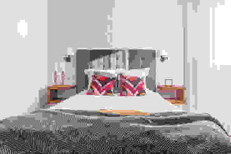Reforma y Amueblamiento en vivienda piso en Tres Cantos Dormitorios de estilo ecléctico de itta estudio Ecléctico