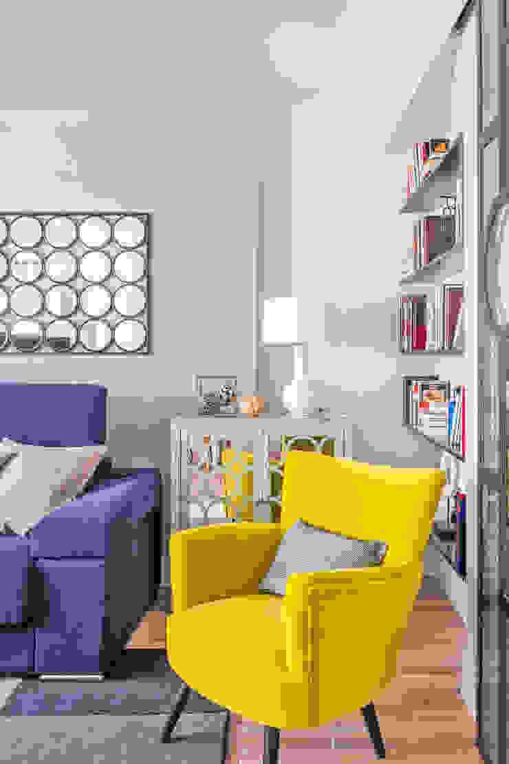 Reforma y Amueblamiento en vivienda piso en Tres Cantos Salones de estilo ecléctico de itta estudio Ecléctico