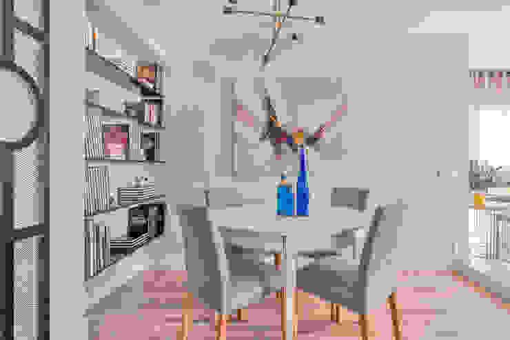 Reforma y Amueblamiento en vivienda piso en Tres Cantos Comedores de estilo ecléctico de itta estudio Ecléctico