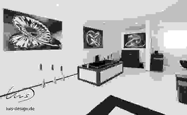 Luxury bath tub by Luis Design Minimalist style bathroom by Luis Design Minimalist Stone