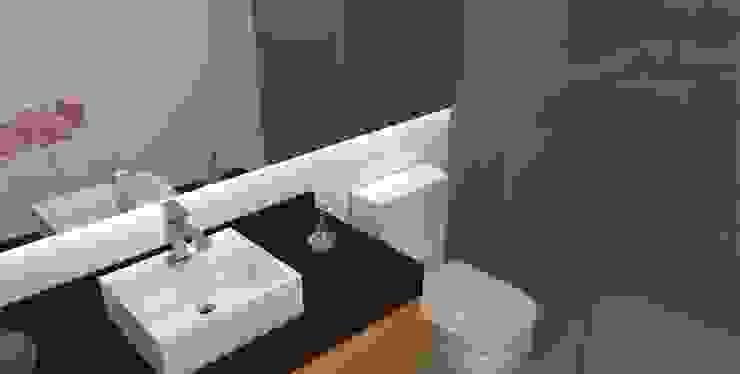 Arquiteto Virtual - Projetos On lIne Baños de estilo moderno Madera Naranja