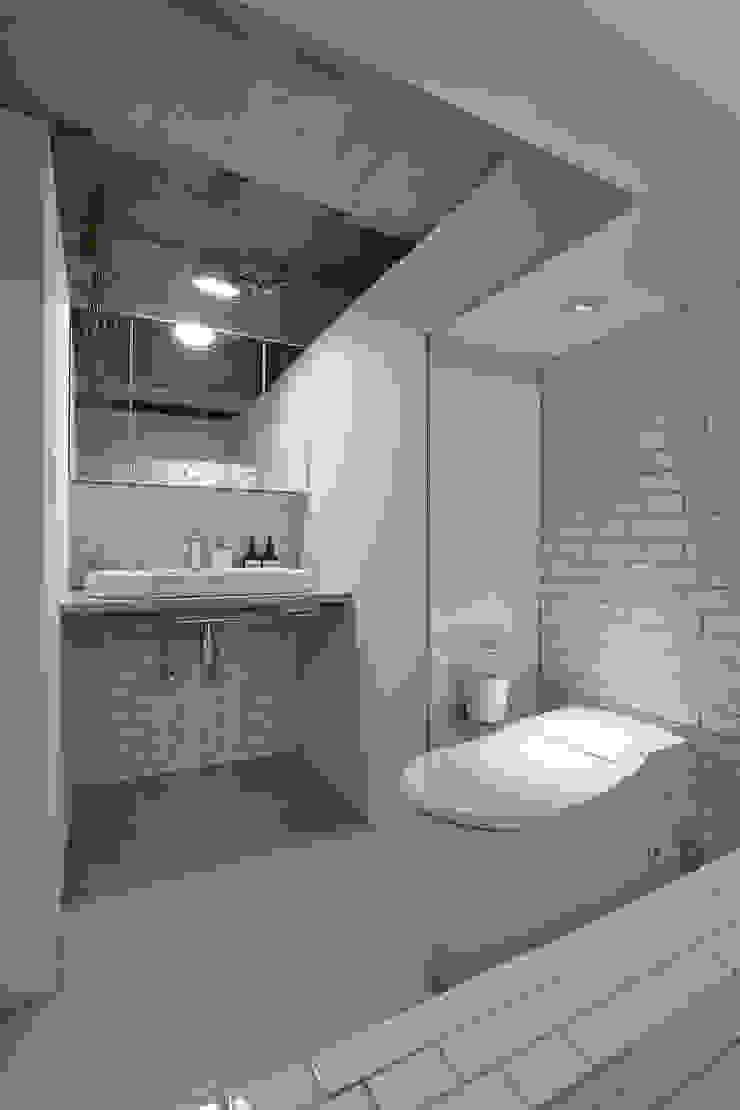 .8 / TENHACHI 衛浴廁所 磁磚 White
