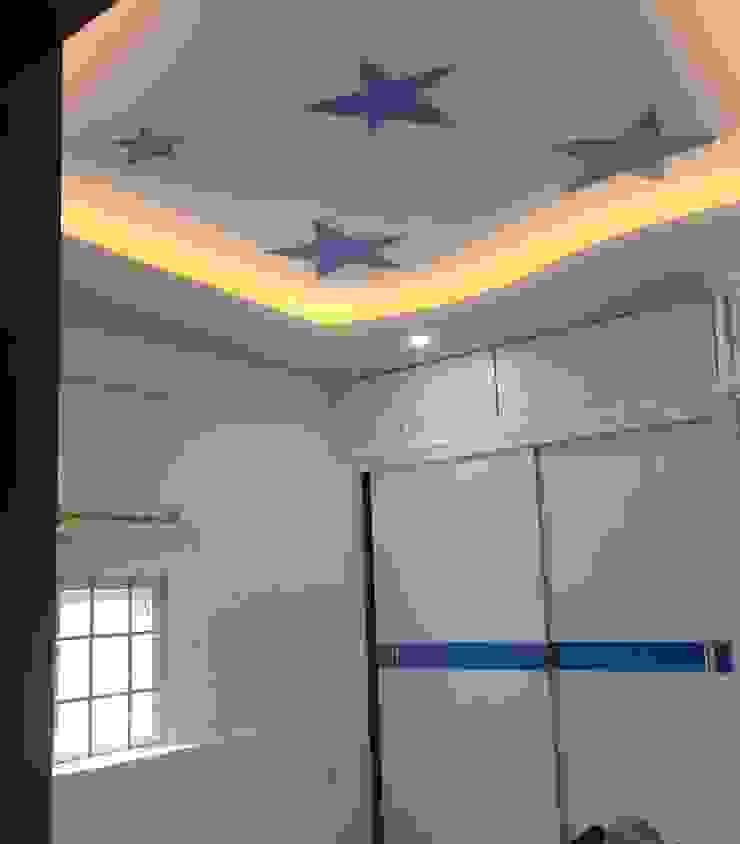 Phòng ngủ được gia chủ bố trí đồ nội thất thông minh Phòng ngủ phong cách châu Á bởi Công ty TNHH TK XD Song Phát Châu Á Đồng / Đồng / Đồng thau
