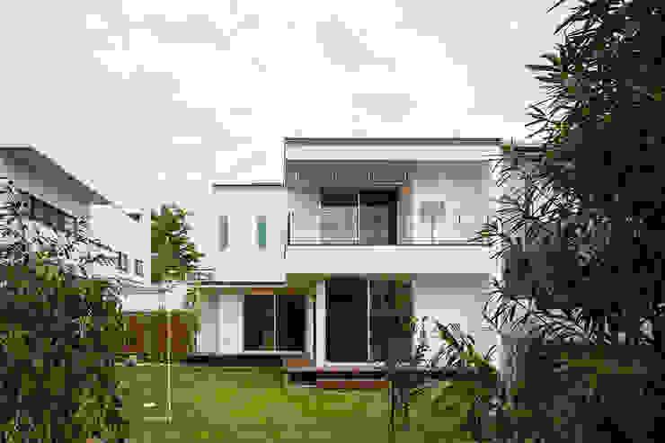 現代房屋設計點子、靈感 & 圖片 根據 スタジオグラッペリ 1級建築士事務所 / studio grappelli architecture office 現代風