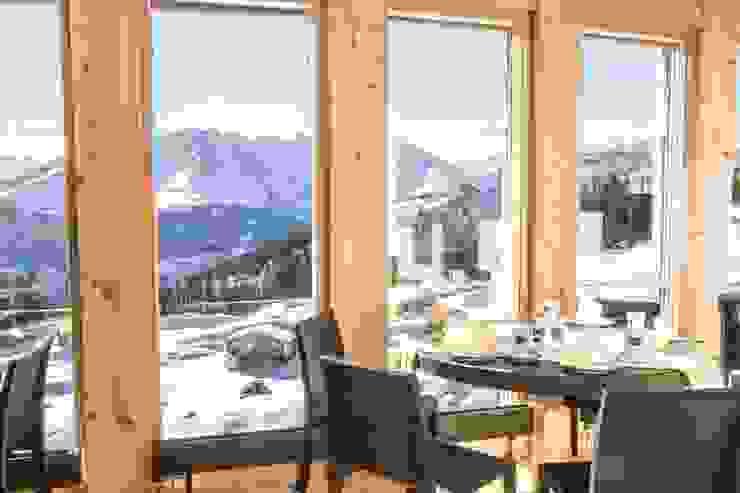 Woodbau Srl Rustic style dining room Wood