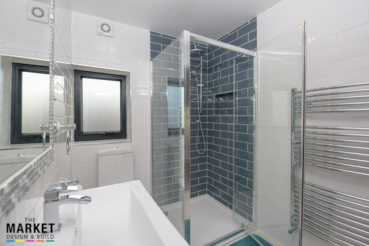 Pinner House Extension and loft Conversion The Market Design & Build 現代浴室設計點子、靈感&圖片