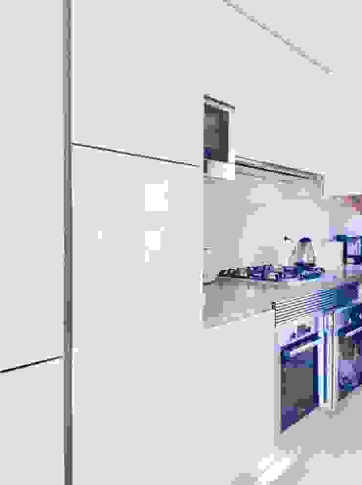 Elite De Elogios CocinaEstanterías y gavetas Compuestos de madera y plástico Blanco