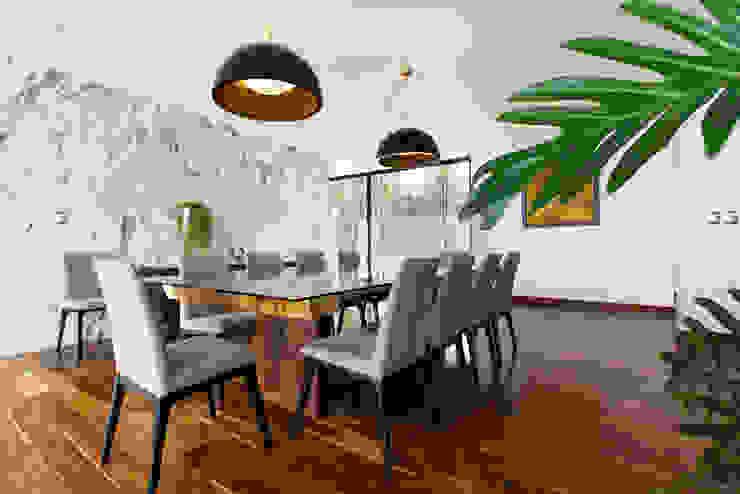 Minimalist dining room by Dionne Arquitectos Minimalist Marble