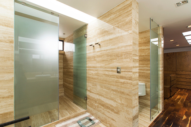 Minimalist style bathroom by Dionne Arquitectos Minimalist Marble