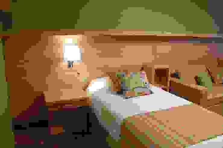 Habitaciones Hoteles de estilo moderno de INTEGRAR DISEÑO Moderno