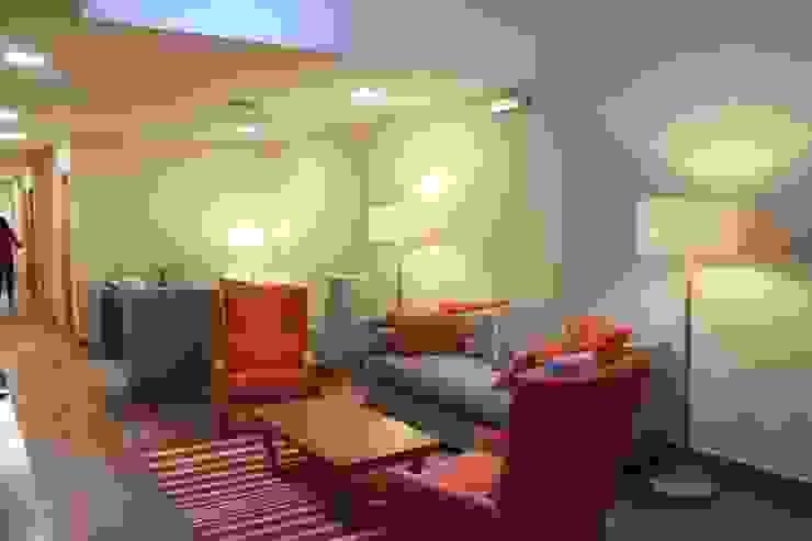 Estar Hoteles de estilo moderno de INTEGRAR DISEÑO Moderno