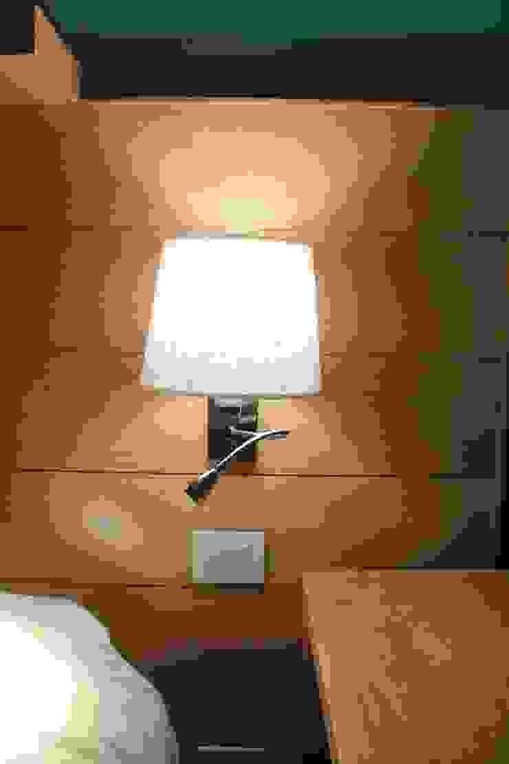 DEPARTAMENTOS BARILOCHE Hoteles de estilo moderno de INTEGRAR DISEÑO Moderno
