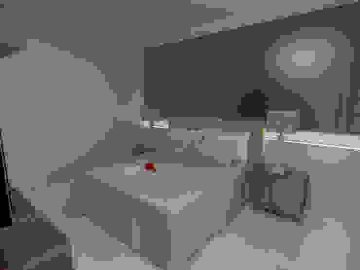 Dormitorios minimalistas de Imaginare Arquitetura e Interiores Minimalista