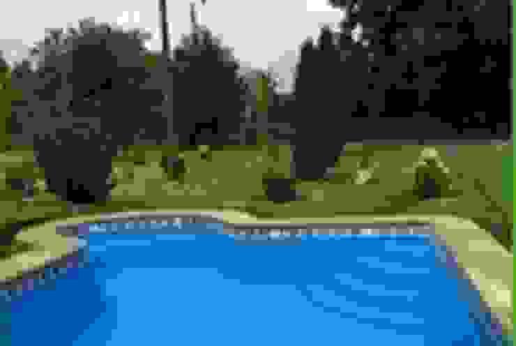 Piscina Bahia 8x4 de Construccion piscinas Reyal osorno