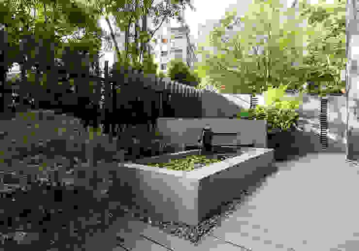 光影靜謐的庭園空間:  花園 by 大地工房景觀公司,