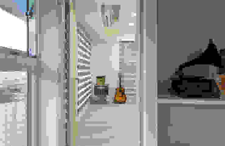 21坪微工業 複合式空間 / 商用 / 住宅 / 寫故事的人 根據 趙玲室內設計 工業風