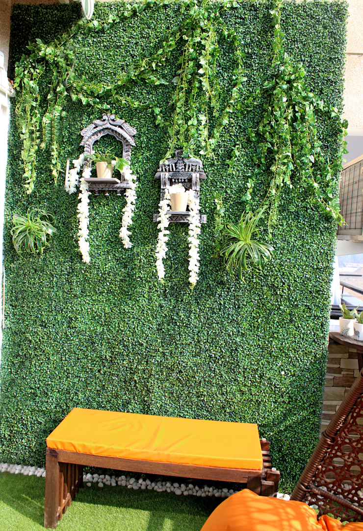 Artificial Green Wall with Wall Accents Rustic style garden by Grecor Rustic