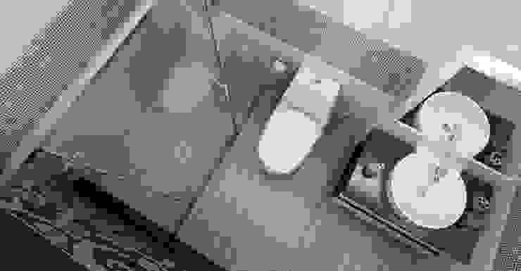 Gam màu trắng - xám phù hợp với đồ nội thất Phòng tắm phong cách châu Á bởi Công ty TNHH TK XD Song Phát Châu Á Đồng / Đồng / Đồng thau