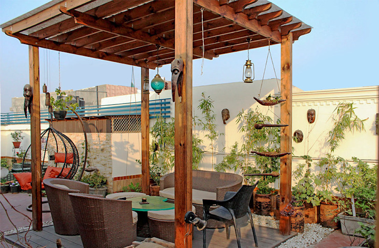 Terrace Garden at Defence Colony Rustic style garden by Grecor Rustic