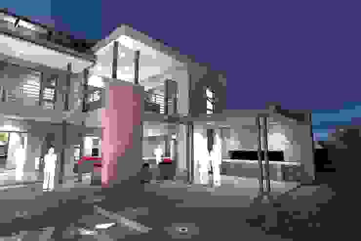 House P: minimalist  by ANTONIO DE FRANCA HOME DESIGNS, Minimalist