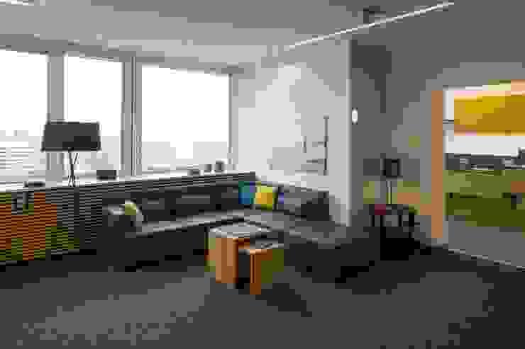SMART HOME _WERKSTATT FÜR UNBESCHAFFBARES - Innenarchitektur aus Berlin Moderne Bürogebäude