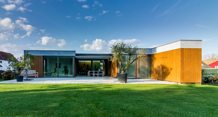 achtergevel van 3d Visie architecten Modern Beton