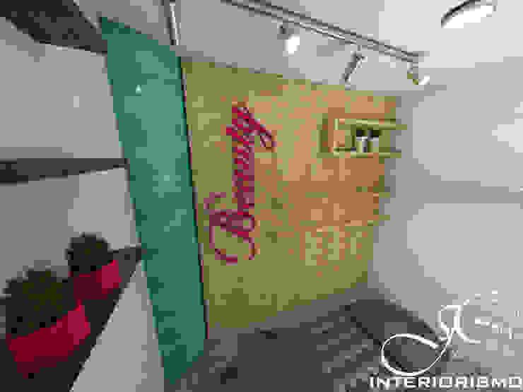 Diseño interior comercial de MAHO arquitectura y diseño, C.A Moderno Madera Acabado en madera