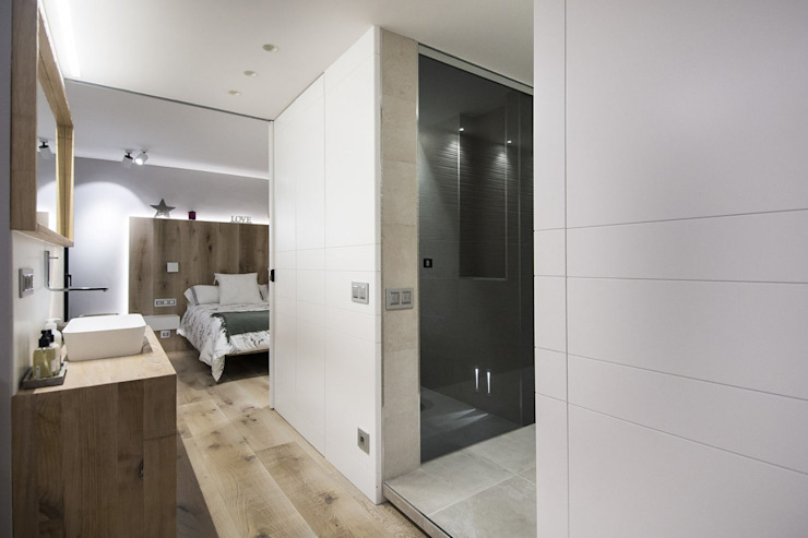 Iluminación vivienda en Tarragona Salones de estilo moderno de Luxiform Iluminación Moderno