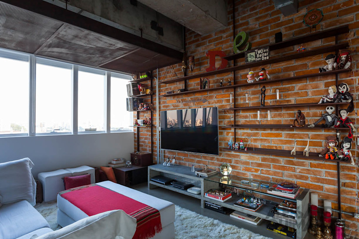 Salas de estilo industrial de Nautilo Arquitetura & Gerenciamento Industrial Ladrillos