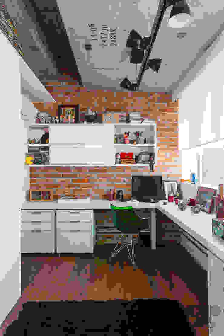 Estudios y despachos de estilo industrial de Nautilo Arquitetura & Gerenciamento Industrial Ladrillos