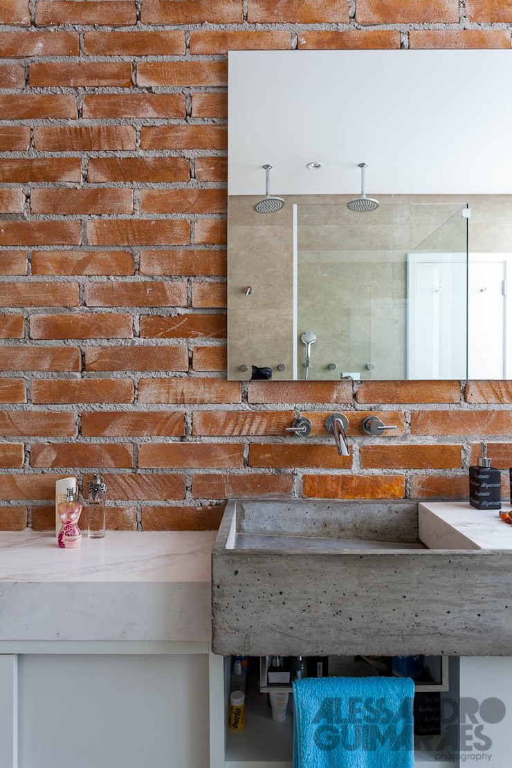 Apto 360 Banheiros industriais por Nautilo Arquitetura & Gerenciamento Industrial Tijolo