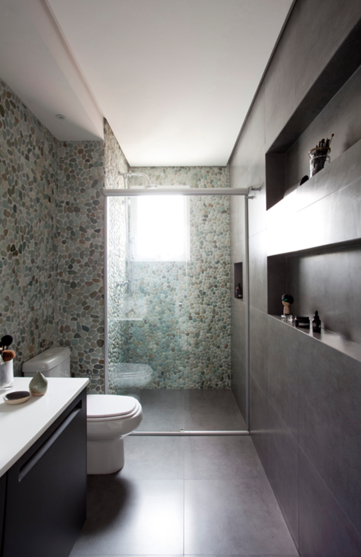 PROJETO RESIDENCIAL PGF Banheiros modernos por RP Estúdio - Roberta Polito e Luiz Gustavo Campos Moderno