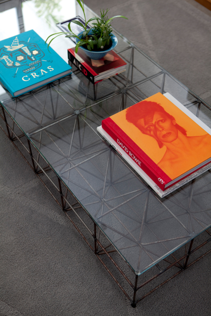 PROJETO RESIDENCIAL PGF Salas de estar modernas por RP Estúdio - Roberta Polito e Luiz Gustavo Campos Moderno