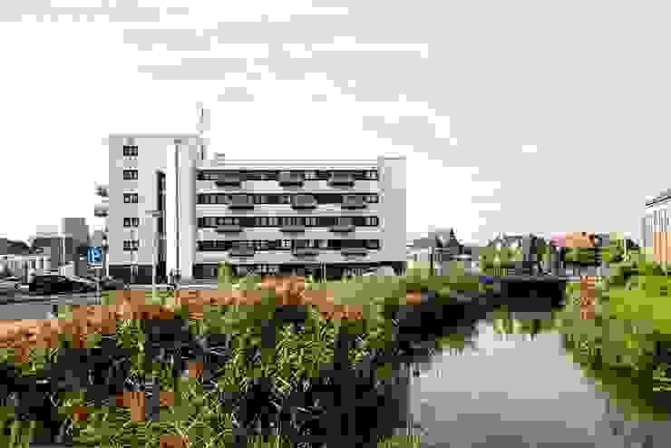 """Transformatie """"douanier"""" Roosendaal van Architectenburo de Vries en Theunissen"""