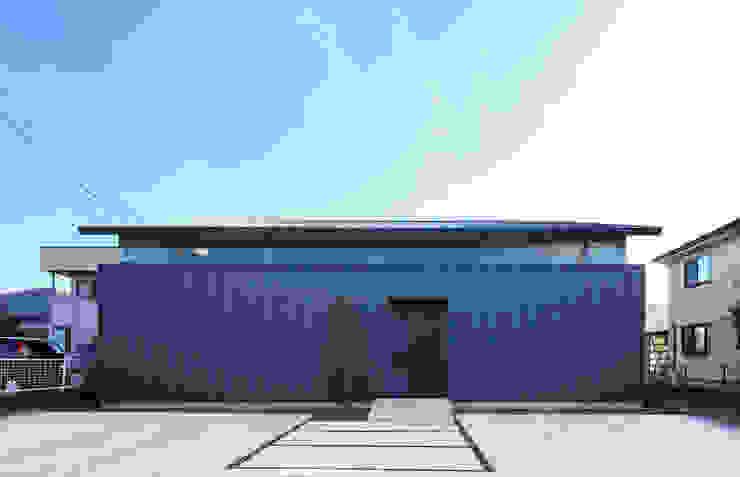 外観 モダンな 家 の ㈱ライフ建築設計事務所 モダン