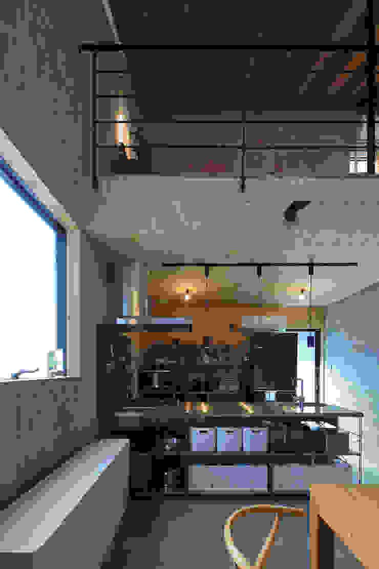 Moderne Küchen von ㈱ライフ建築設計事務所 Modern