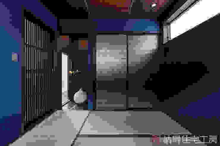 Modern Media Room by 納得住宅工房株式会社 Nattoku Jutaku Kobo.,Co.Ltd. Modern