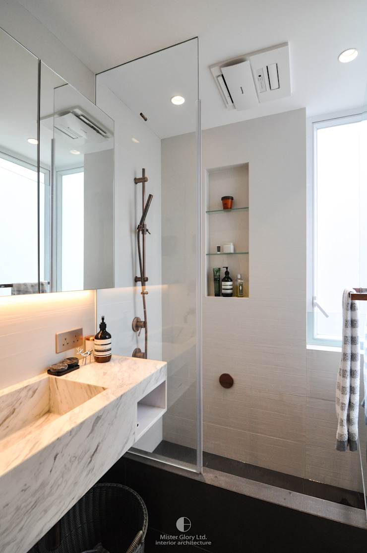 7 Minimalist style bathroom by Mister Glory Ltd Minimalist