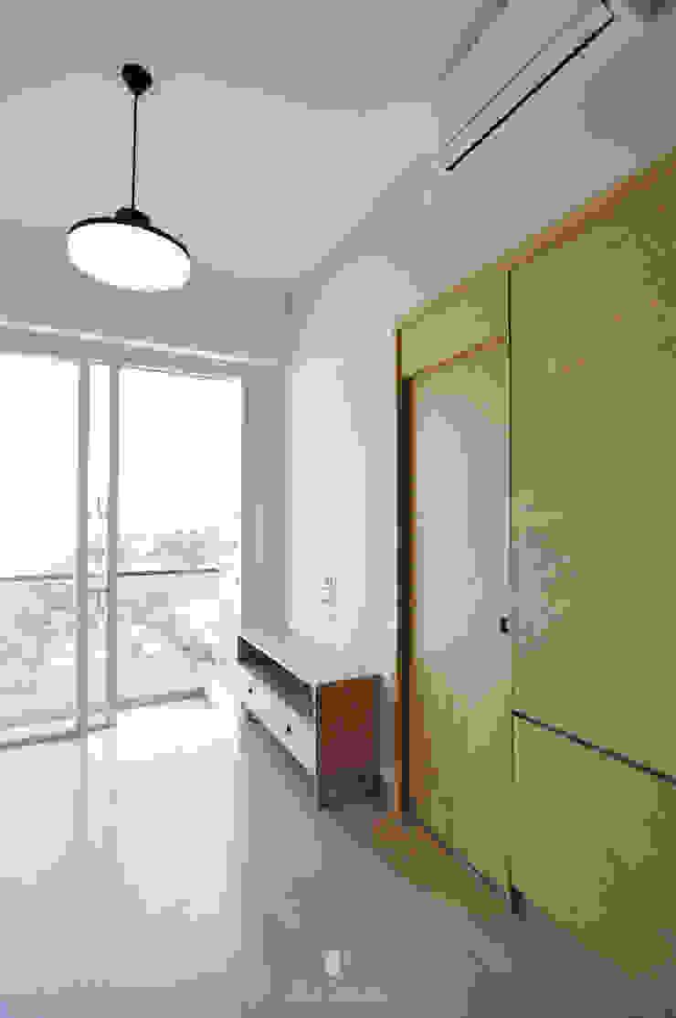 3: minimalist  by Mister Glory Ltd, Minimalist