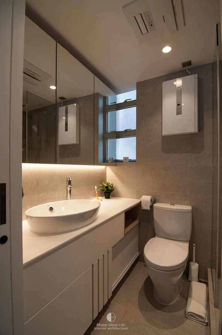 10 Minimalist style bathroom by Mister Glory Ltd Minimalist