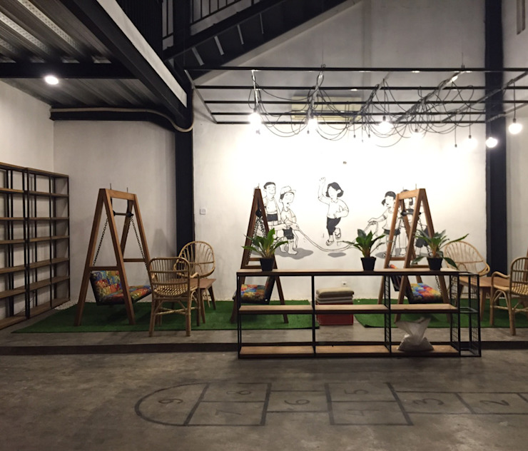 Cafe Area lantai 1B Bar & Klub Gaya Industrial Oleh ARAT Design Industrial