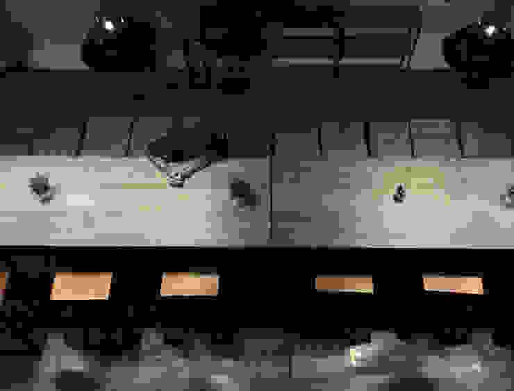 Bar Area lantai 1B Bar & Klub Gaya Industrial Oleh ARAT Design Industrial