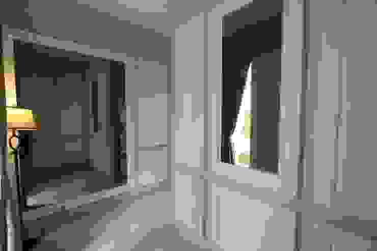 Area Masuk Koridor & Tangga Modern Oleh Exxo interior Modern