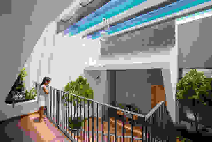 Công ty TNHH Xây Dựng TM – DV Song Phát Balkon, Beranda & Teras Modern