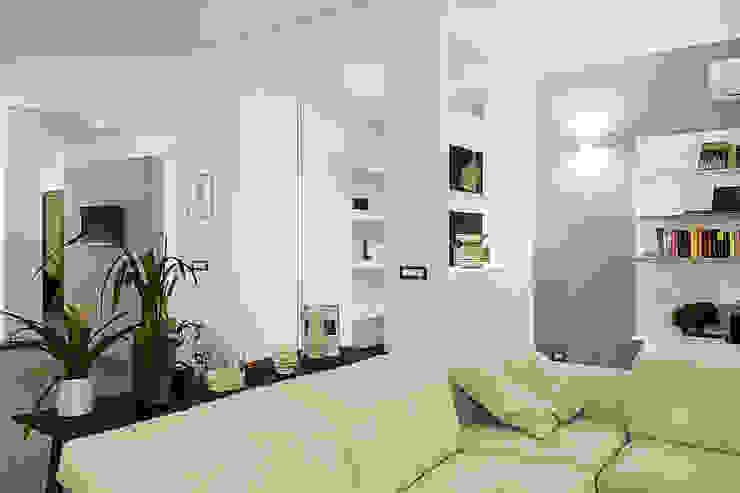 Rosa Gorgoglione Architetto Modern corridor, hallway & stairs