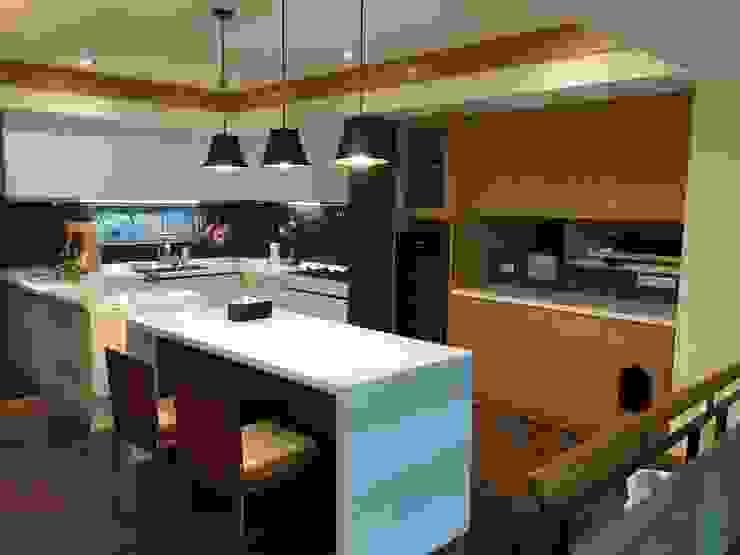 廚具及中島設計案 根據 捷士空間設計(省錢裝潢) 現代風