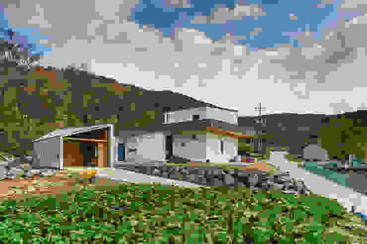 Modern houses by 적정건축 Modern